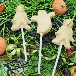 White chocolate halloween lollipops